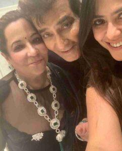 Ekta Kapoor with her parents