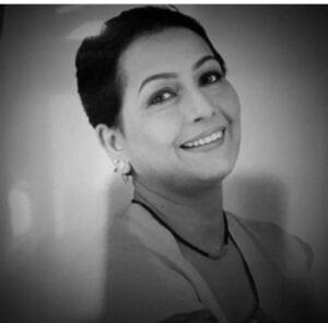 Namrata Shirodkar mother
