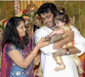 ajith kumar with his daughter