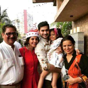 Isha Talwar with his family