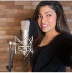Tulsi Kumar singing
