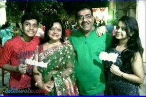 Anushka Banerjee with her family