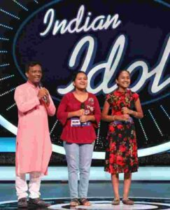 Anjali Gaikwad with her family in indian idol 2020