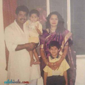ashish kulkarni family