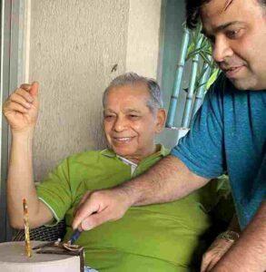kiku sharda with his father