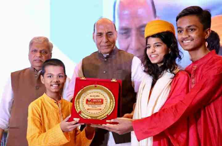 maithili thakur with her awards