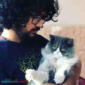 nihal tauro pet cat bubble