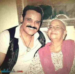 Yash Tonk with her mother