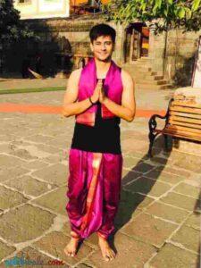 aashay mishra in pandit ji look