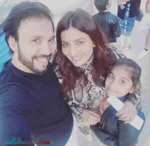poonam shende with her husband
