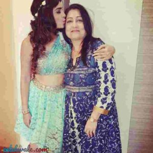 shiny doshi with her mother