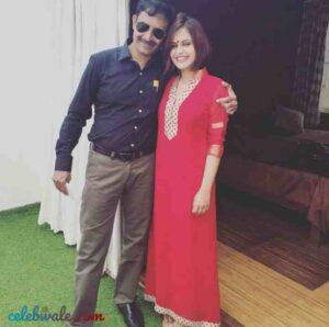 shruti prakash with her father