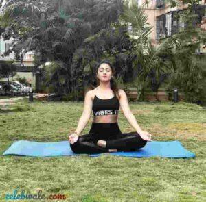 Anjali Tatrari do yoga