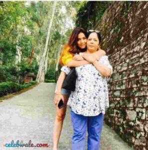 Himani Sahani mother