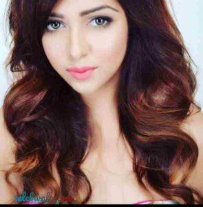 Pamela Goswami look