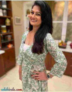 Resham Tipnis beautiful
