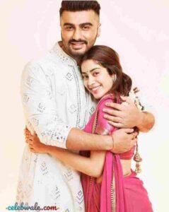janhvi kapoor with half brother arjun kapoor
