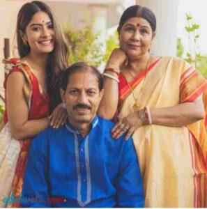 krishna mukherjee with her parents