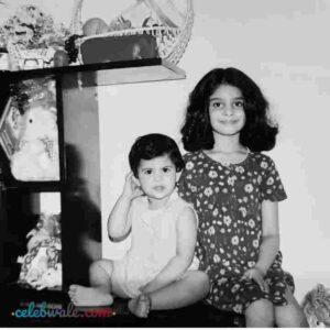 manasa varanasi with her sister