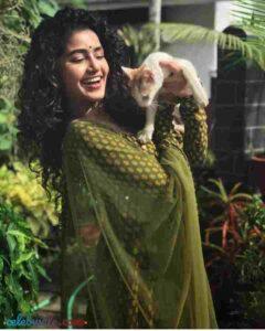 Anupama Parameswaran with her pet dog