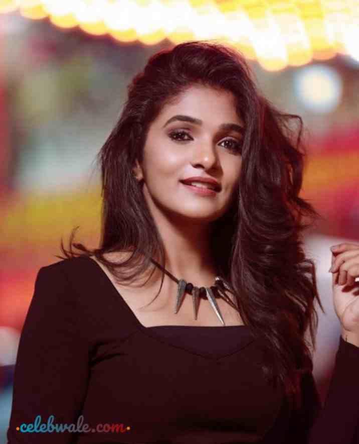 Divya Uruduga Profile Pic