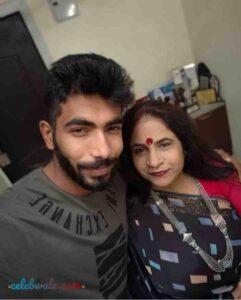 Jasprit Bumrah with his mother