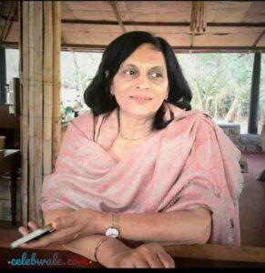 Nidhi Subbaiah mother jhansi subbaiah