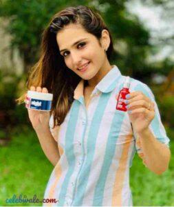 Riya Kishanchandani ads