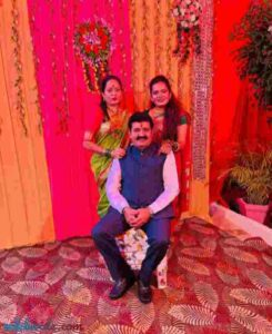 sanjay rathod with her daughter and wife