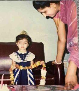 Akanksha Puri in childhood