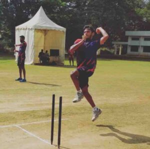 Chetan Sakariya bowling style
