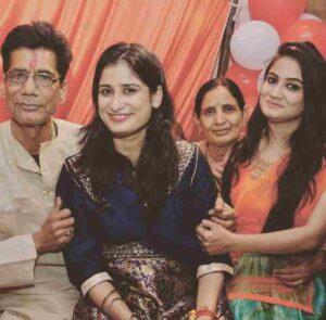 Pragya Mishra family