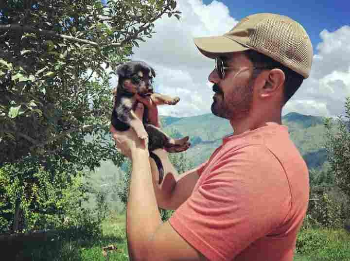 Abhinav Shukla pet dog