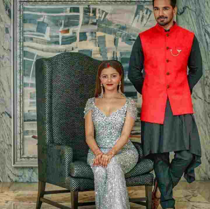 Abhinav Shukla with her wife Rubina