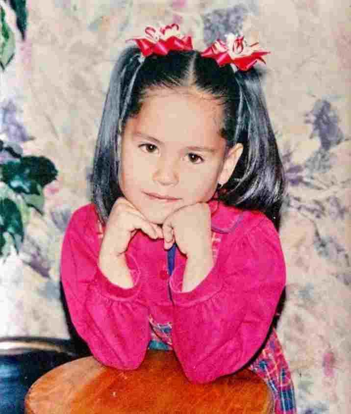 Andrea Meza childhood