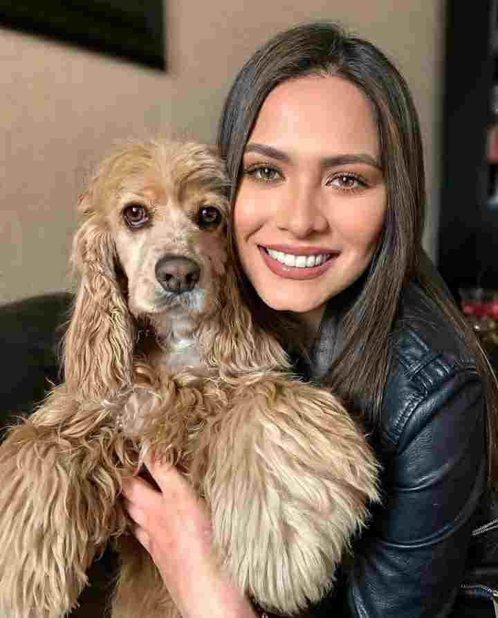 Andrea Meza dog lover