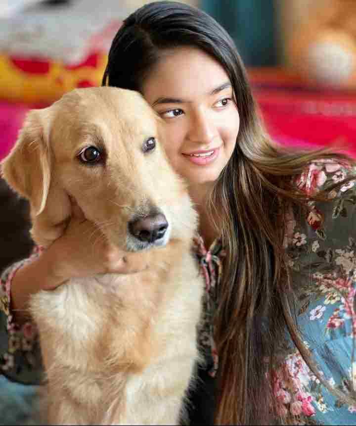Anushka Sen with her pet dog