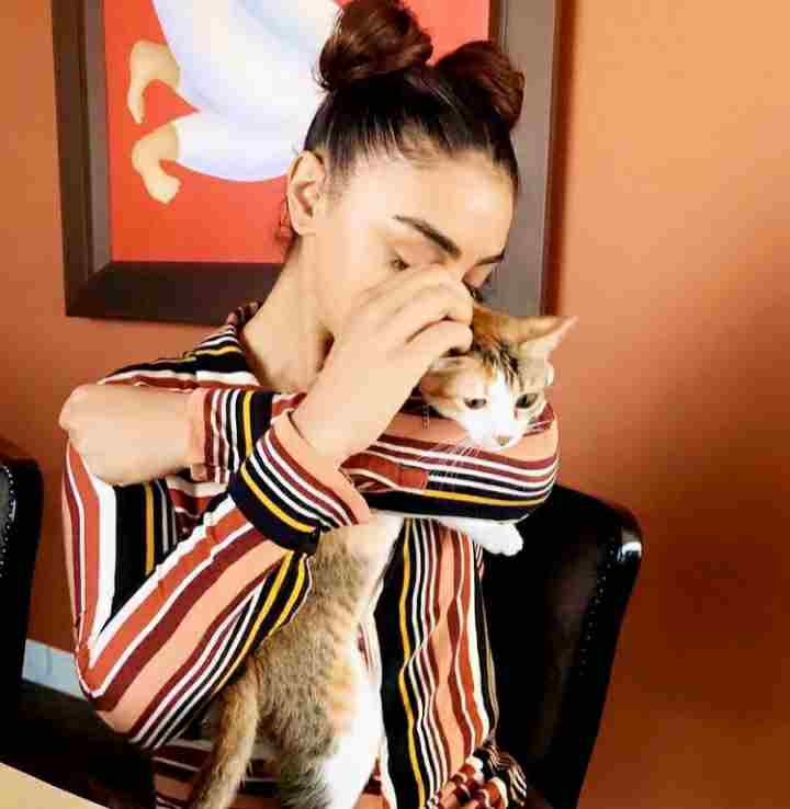 Mahek Chahal with her pet cat