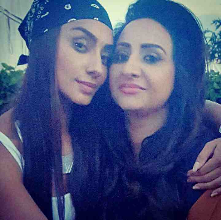 Mahek chahal with her sister