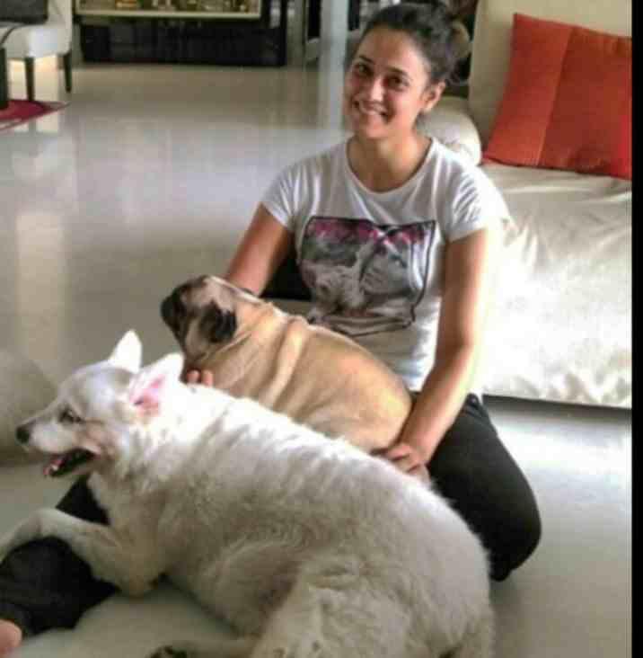 Shweta Tiwari with her pet dog