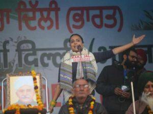 Swara Bhaskar giving speech in Kisan Rally