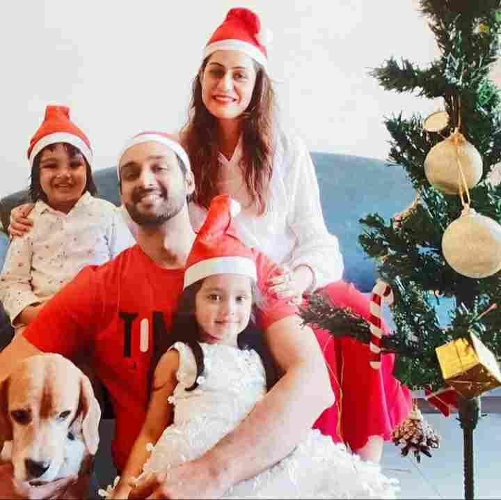 saurabh raj jain with her family