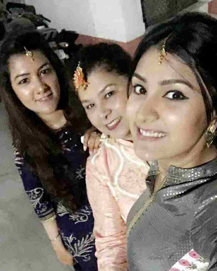 Aastha Gill family
