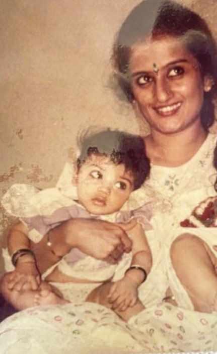 Akasa Singh childhood photo