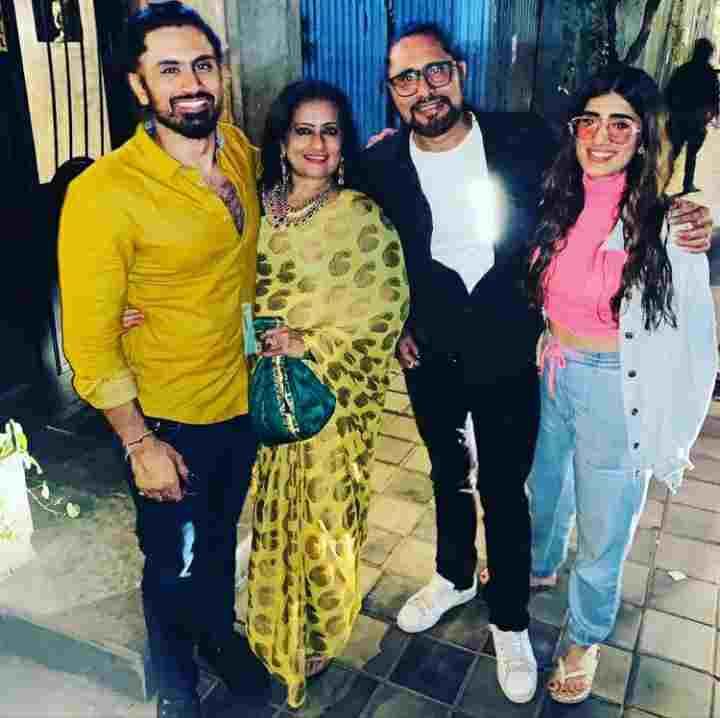 Akasa Singh family
