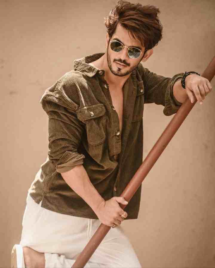 Arjun Bijlani Stylish Photo