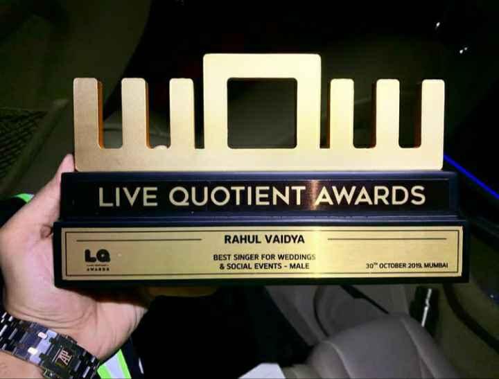 Rahul Vaidya with Live Quotient Award