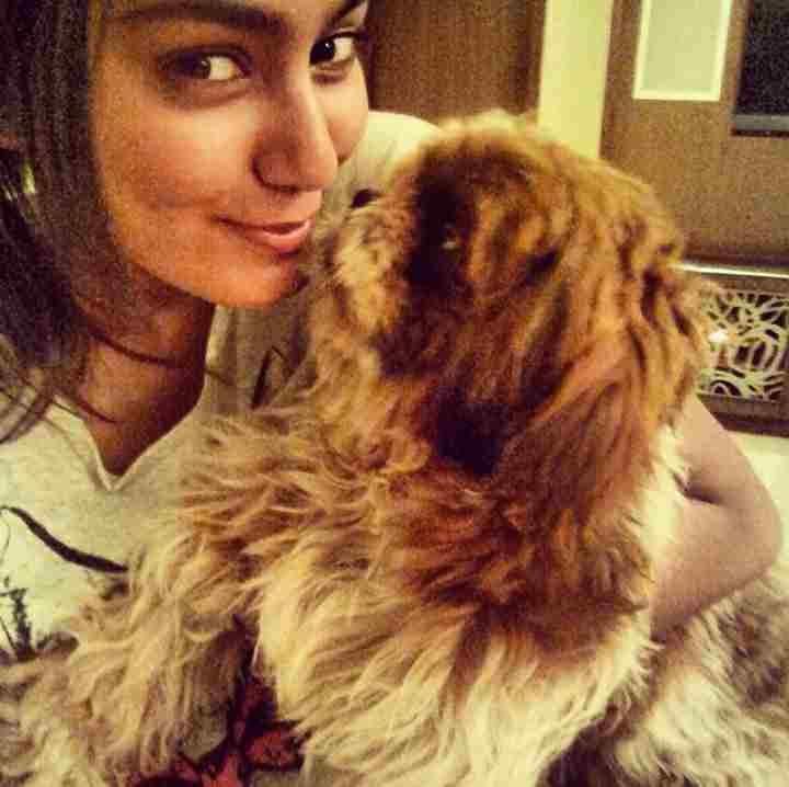 Sana Makbul with her pet cat Simmba