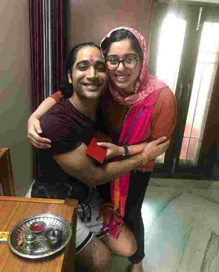 Sanam Johar elder sister Deepshikha Johar