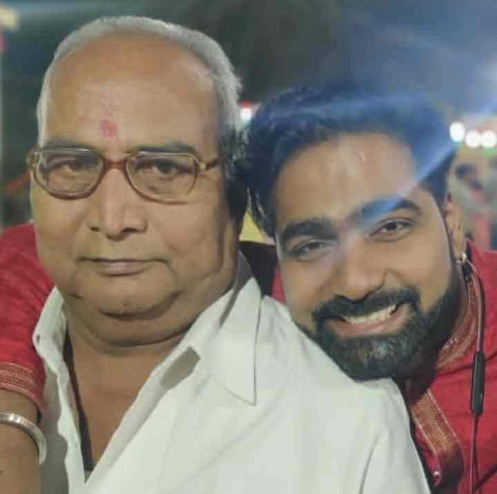 Vaibhav Ghuge with his Father Bhagwat Mahadu Ghuge
